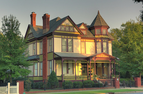 NIcely Colored House on Broad, Evening Sun