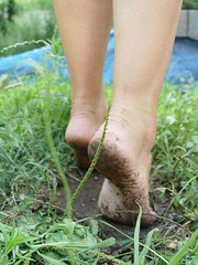 2b537bd7afb41e Walking in the mud (Stink Goddess) Tags  green love feet boys foot toes