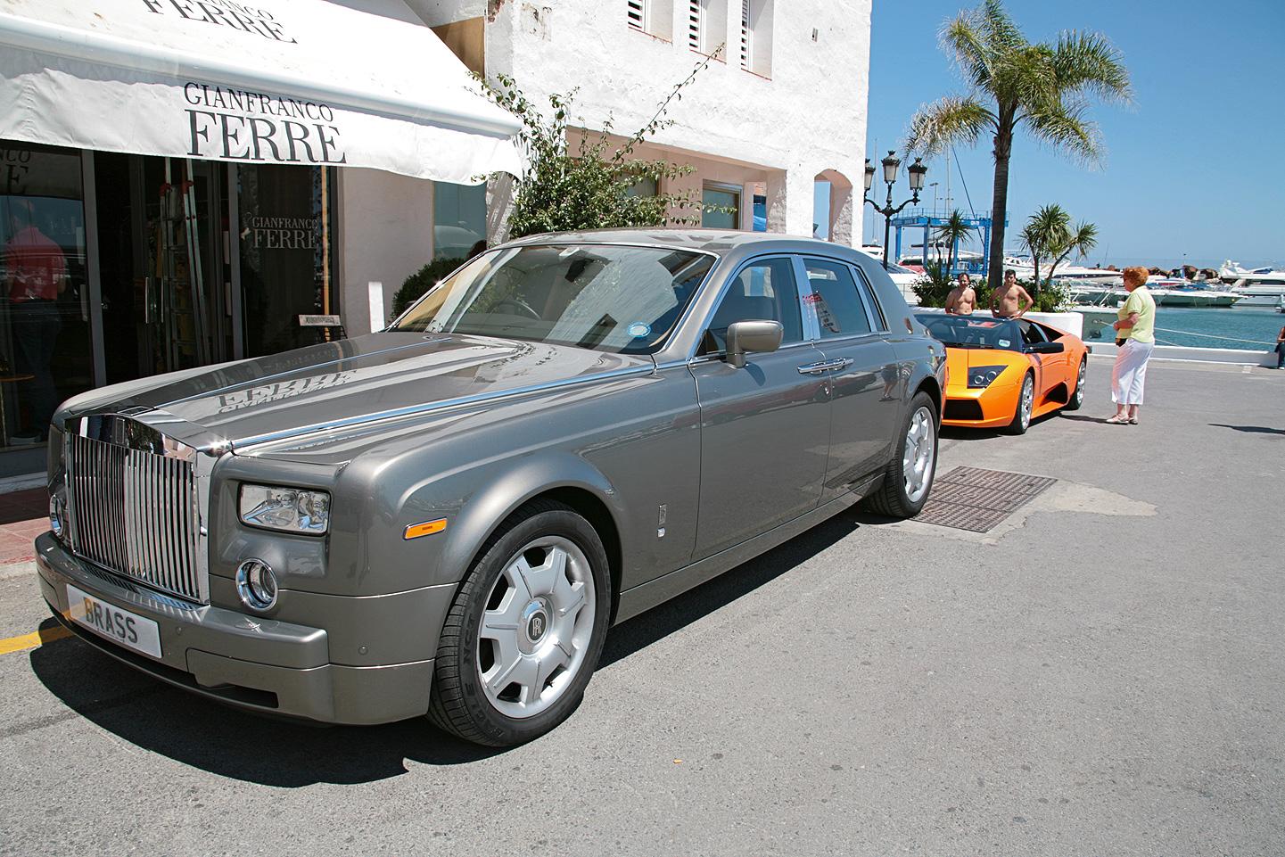 Rolls Royce Phantom and Lamborghini Murcielago by the Marina