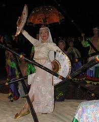 Princess with Fan (Danburg Murmur) Tags: philippines cebu cebucity lapulapucity mactanisland shangrilahotel shangrilasmactanislandresortspa