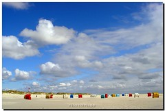 Island of Amrum - Beach & Lighthouse (PHOTOPHOB) Tags: sea sky lighthouse beach clouds strand germany landscape faro deutschland sand flickr nebel basket north himmel wolken northsea alemania nordsee allemagne phare vuurtoren navigation watt friesland fyr germania leuchtturm strandkorb schleswigholstein leuchtfeuer amrum beachchair frysln leuchturm kniepsand roofedwickerbeachchair kniep lumturo sddorf ilovemypic sueddorf photophob freesland fraschlnj mygearandmepremium eyckata2