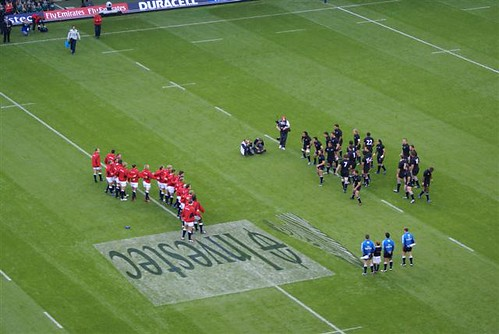 New Zealand perform the Haka for England in 06