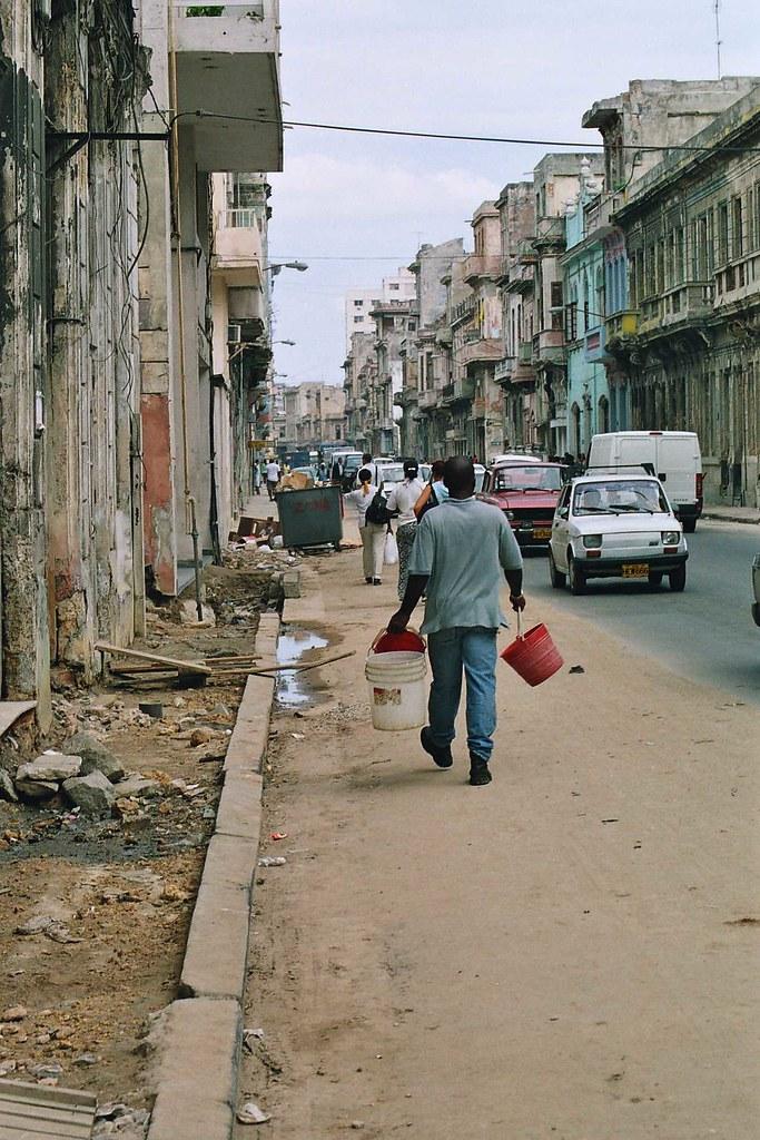 Cuba: fotos del acontecer diario - Página 6 300225843_8a45853d23_b