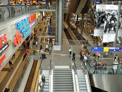 Berlin Hauptbahnhof (Gertrud K.) Tags: berlin train geotagged mitte centralrailwaystation geo:lat=52524316 geo:lon=13369911