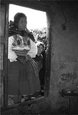 South america : Lumiere sur l'ile Taquile, Prou (KraKote est KoKasse.) Tags: portrait southamerica femme ile taquile noirblanc perou ameriquedusud americadelsur krakote forcont wwwkrakotecom valeriebaeriswyl