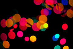 (beebo wallace) Tags: christmas blur colors lights deleted7 deleted9 colorful deleted6 deleted3 deleted2 deleted4 deleted10 christmaslights deleted5 deleted8 flickrblogged christmascalendar2006 5thdecember