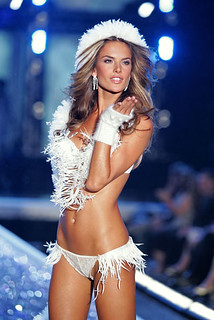 Victoria's Secret Fashion Show 2006!