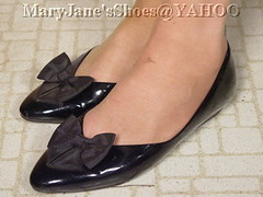 0430051123196A (MJGCB) Tags: black flat bow patent payless