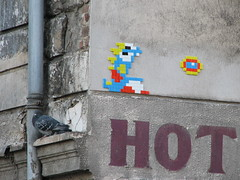 Space Invader PA_700 :  rue des Pyrnes (deleted) (tofz4u) Tags: streetart paris hot bird tile mosaic pigeon spaceinvader spaceinvaders deleted invader oiseau snapfish mosaque artderue gouttire 75020 bubblebobble explored pa700