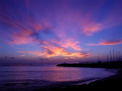 another day pau in hawaii nei (kela) Tags: sunset beach hawaii  hawaiiansunset honolulu  catchycolorsblue  alamoanabowls skytheme perfectsunsetssunrisesandskys