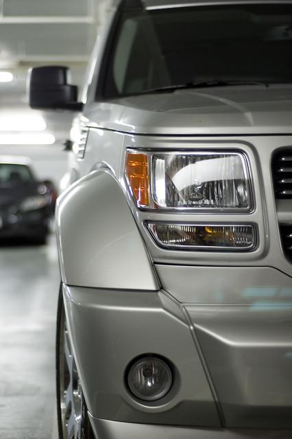 parkinggarage headlights dodge nitro suv 2007