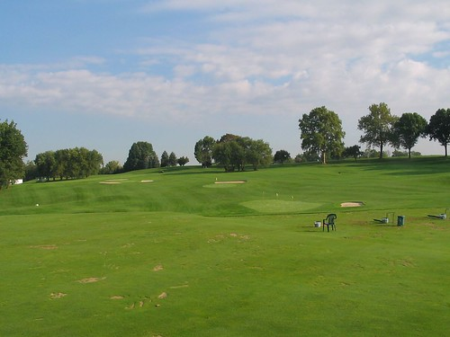 Oakmont Country Club, Driving Range / Practice Area