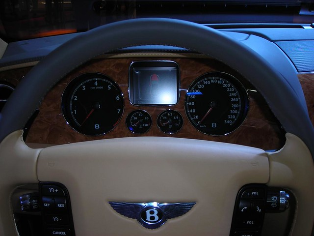 paris 2006 bentley motorshow continentalflyingspur mondialdelautomobileparis2006