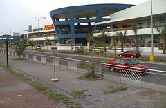 BIggest Mall in the Philippines (i m n a s) Tags: mall philippines sm mallofasia