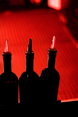 drei rot @ der raum (thescatteredimage) Tags: red topv111 three topv333 canon20d australia melbourne victoria richmond 50mm18 derraum bronly 19oct06