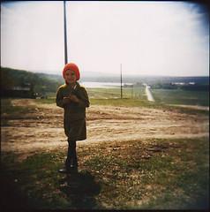 l? (caroline_hocquard) Tags: rural holga lomo littlegirl enfant campagne easterneurope moldova chid petitefille chidhood rpubliquedemoldavie europedelest