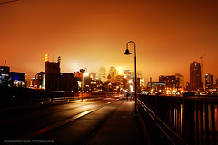 Minneapolis at night (jpnuwat) Tags: longexposure light lamp minnesota fog night minneapolis twincities lomoscript stonearchbridge dsc014292