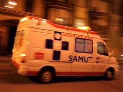Velocidad (Cesar Sampedro) Tags: espaa car digital speed canon eos 350d reflex spain movimiento ambulance coche velocidad samu furgoneta mouvement ambulancia cesarsampedro
