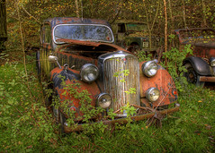 Rusty Old Car (Jonnyfez) Tags: old broken graveyard car metal lights derbyshire 1996 rusty ufo aliens driver motor derelict touristattraction xfiles subtlehdr jonnyfez southwingfield sept27th