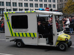St John Ambulance (Howard.) Tags: london st john image 2006 ambulance lordmayorsshow ld900