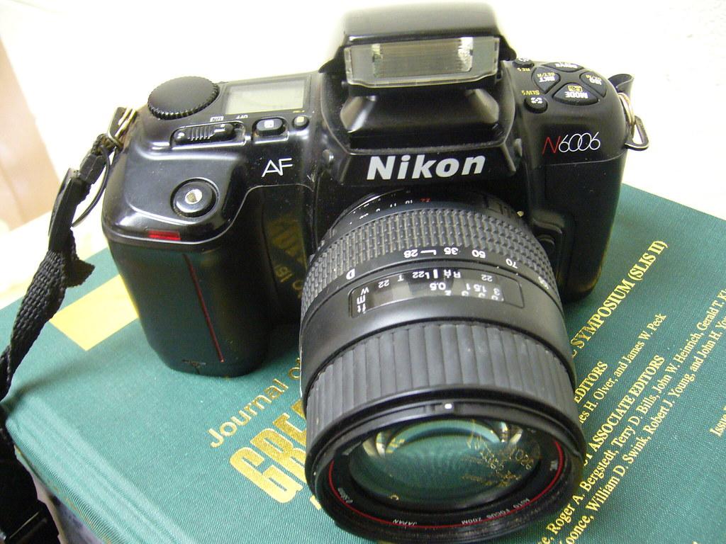 Nikon N6006