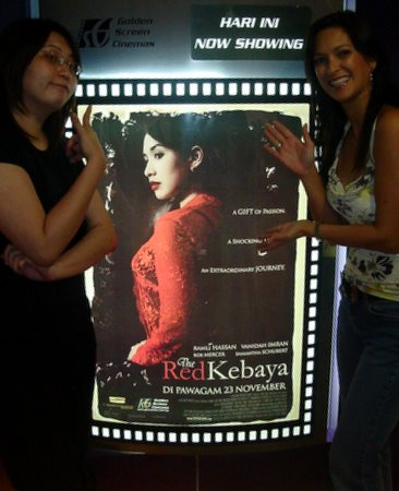 The Red Kebaya - Samantha Schubert, Suanie and poster