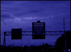 night driving (malidinapoli) Tags: trasloco signs netherlands schilder blauw driving blu dream autobahn move bleu stop blau paysbas umzug droom nightdriving niederlande sogno déménagement sprinter traum rêve mymind erfährtundfährtundfährt frombxlto stillfeelslikebeingontheroad veryconcrete ennadéménagementspoedigeenverhuizing yurifreundlichestrecke