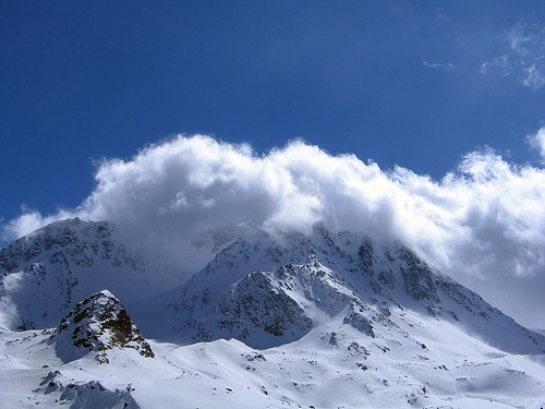 Cloud on mountain under the sky blue