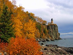 Autumn Shoreline (*Jeff*) Tags: autumn lighthouse lakesuperior splitrock