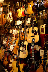 Guitar Showcase in San Jose (artbeco) Tags: music guitar guitars collectors instruments guitarshowcase utatacollection