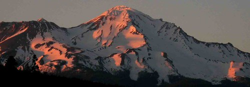 Alpenglow on Mt Shasta