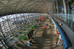 Kansai airport departure Hall (The Other Martin Tenbones) Tags: japan airport piano fisheye kansai renzopiano hdr renzo