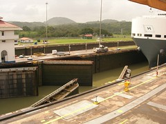 Miraflores locks.JPG