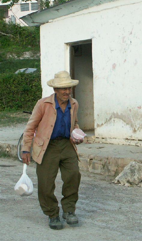 Cuba: fotos del acontecer diario - Página 6 355213890_623b88c292_o
