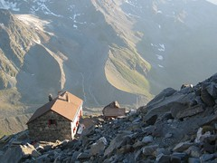 (17Jul05 r) The Valsorey hut (Lee Drage) Tags: 2005 hauteroute