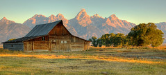 A Moment in the Morning (Jeff Clow) Tags: mountains barn bravo searchthebest wyoming jacksonhole grandtetonnationalpark blueribbonwinner moultonbarn abigfave shieldofexcellence anawesomeshot impressedbeauty flickrdiamond