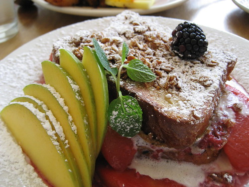 peach and blackberry french toast...mmm...