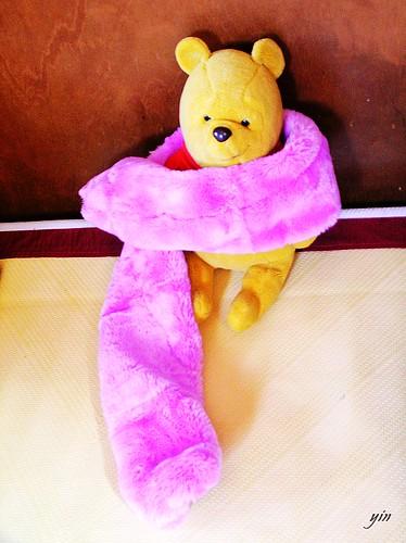 小熊維尼winnie Pooh and 毛茸茸圍巾