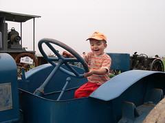 DSCN3259 (blognotes) Tags: tommaso trattore campovolo 200609