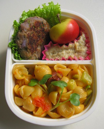 Faux latke lunch for toddler お弁当