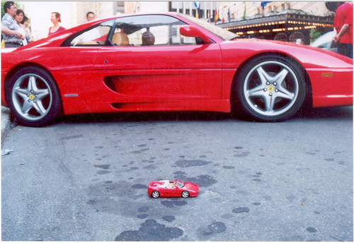 Another shot of a Hot Wheels 1/18 scale model Ferrari F355 Spider in front