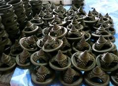 Before burn. (Puykamo@Tнai) Tags: trip travel beautiful thailand lights tour handmade thai pottery neat nonthaburi นนทบุรี ท่องเที่ยว kohkret ลายไทย puykamo thaiproduct เกาะเกร็ด thaipottery thaitexture ลายวิจิตร แสงและเงา เครื่องปั้นดินเผา