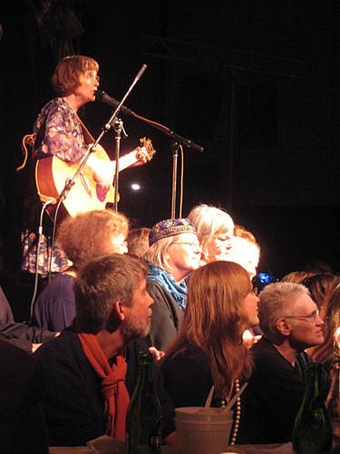 Maria Lindström and the choir at Södra Fot's New Year Cabaret