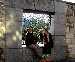 Maria and Me (Yes, at the Castle) (gisele13) Tags: ireland dublin self maria gisele dublincastle december2006 dublingarden