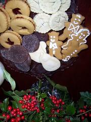 Warren's cookies (Joseph & Sam's Mom) Tags: christmas cookies friend berries guelph holly