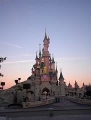 Chateau de la Belle au Bois Dormant au matin (Disneyland Paris, France)