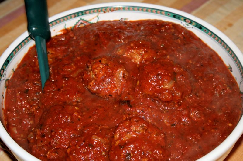Mama's Meatballs in Tomato Basil Sauce