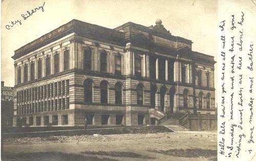 Iowa - Des Moines, Public Library