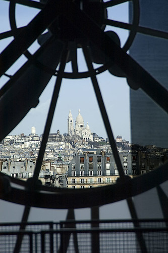 View_through_clock_@_Musee_DOrsay,_Paris