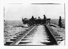 Thomas_Flyer_crossing_rails.jpg por greatracelegends